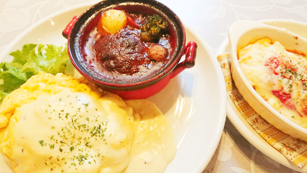 煮込みハンバーグ&チーズクリームオムライス&まるごとトマトのミニグラタン